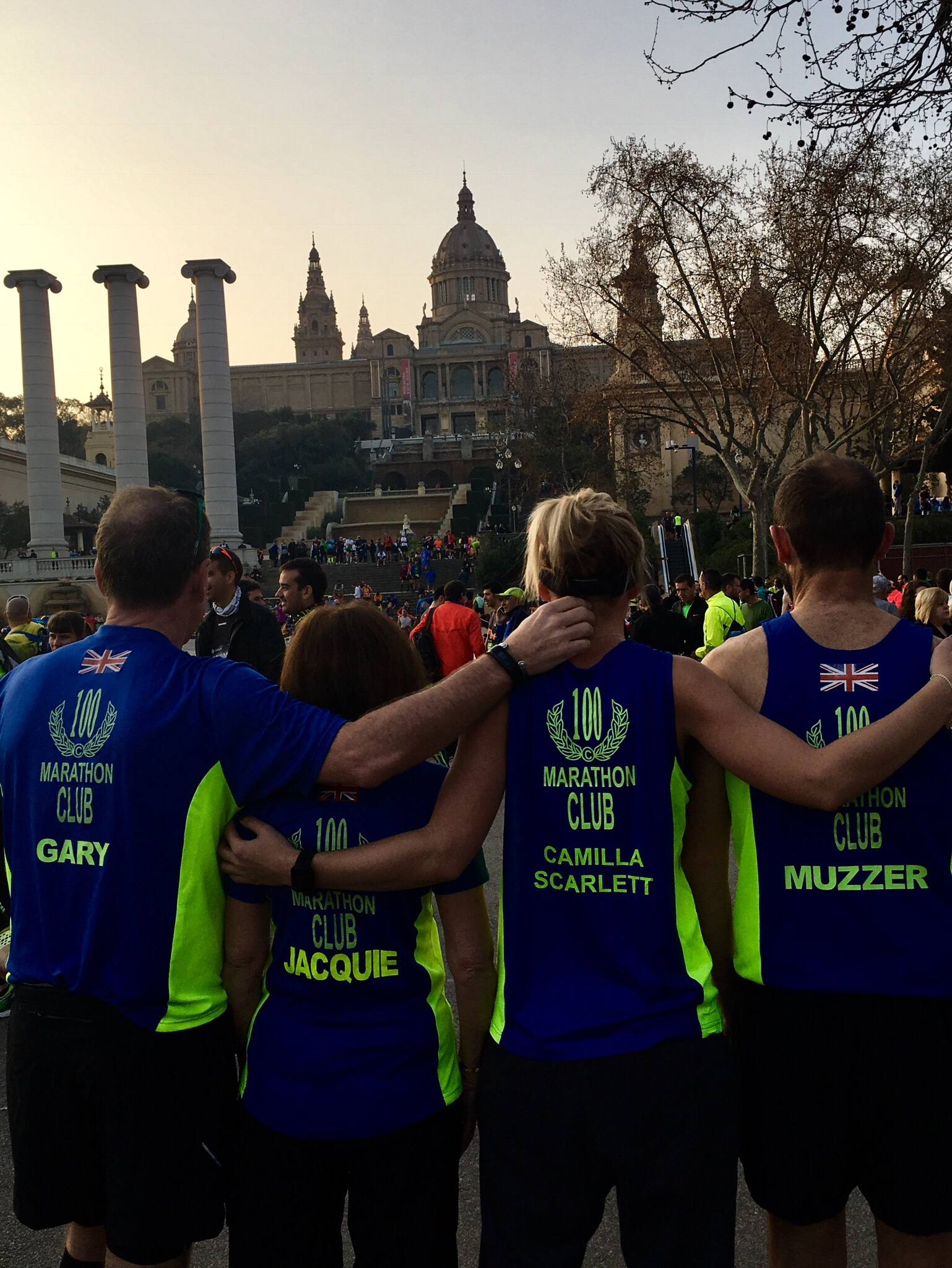 Barcelona marathon start - 100 club shirts