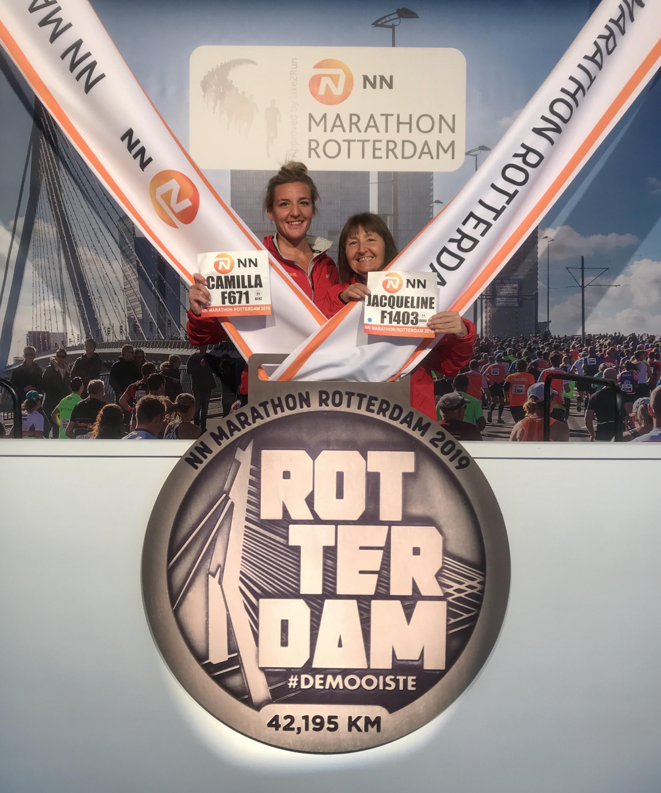 Rotterdam marathon expo - giant medal