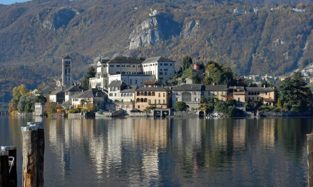Running round Lake Orta